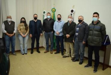 Deputado federal Vitor Lippi é recepcionado na Prefeitura de Fartura