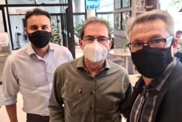 Prefeito Isnar participa de reuniões com os deputados Paulinho e Alexandre Pereira