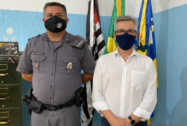 Prefeito Isnar recebe novo comandante da Polícia Militar de Sarutaiá
