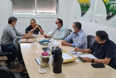 Prefeito Edinho e vereadores do PTB participam de reunião em SP