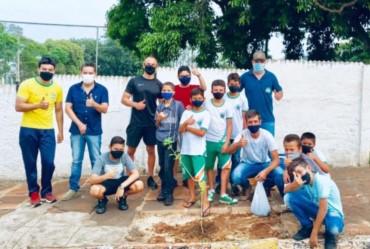 No Dia da Árvore Timburi realiza atividades com os alunos da rede municipal