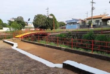 Prefeitura de Avaré revitaliza pintura da Praça Japonesa