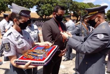 Prefeito Jô é homenageado com comenda da Polícia Militar