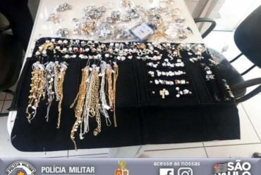 Polícia Militar prende em Piraju envolvidos no furto de R$ 45 mil em joias