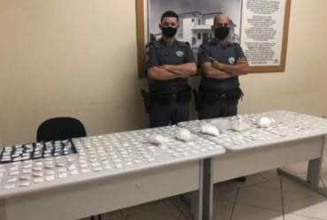 Funcionária de hotel é presa com mais de 800 porções de cocaína