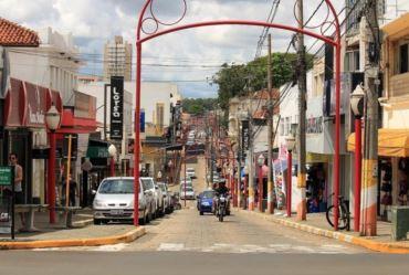 Jô Silvestre anuncia que vai decretar medidas mais restritivas contra covid-19