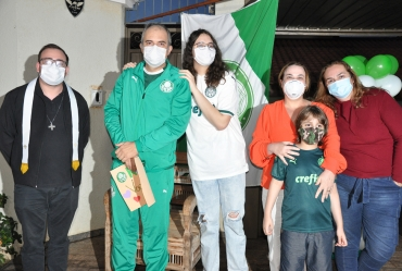 Dr. Rui é recebido com carreata em Fartura após vencer a covid-19