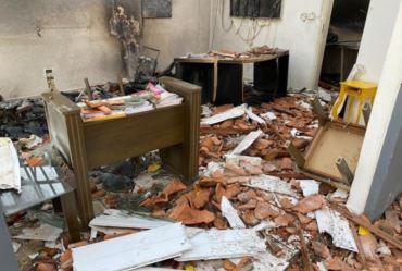 Suspeito de atear fogo em colégio de Itaporanga está intubado na UTI