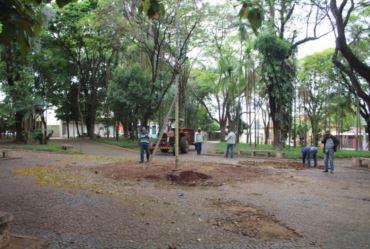 Quiosque da Praça Tenente Casemiro é demolido em Fartura